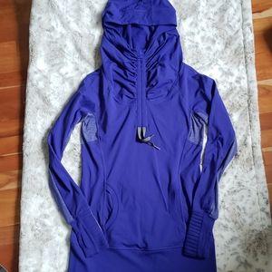 Lululemon Run: Ambition Pullover- Size 6
